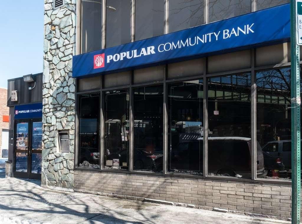 Popular Bank - bank  | Photo 3 of 4 | Address: 8322 Baxter Ave, Flushing, NY 11373, USA | Phone: (718) 335-4301