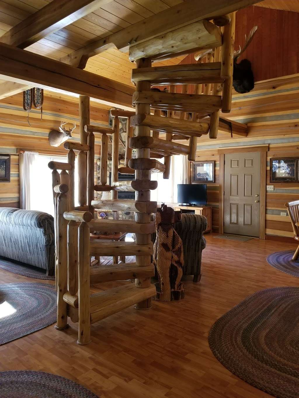 Antler Log Cabins - real estate agency    Photo 5 of 10   Address: 8747 E State Rd 45, Unionville, IN 47468, USA   Phone: (812) 339-6547