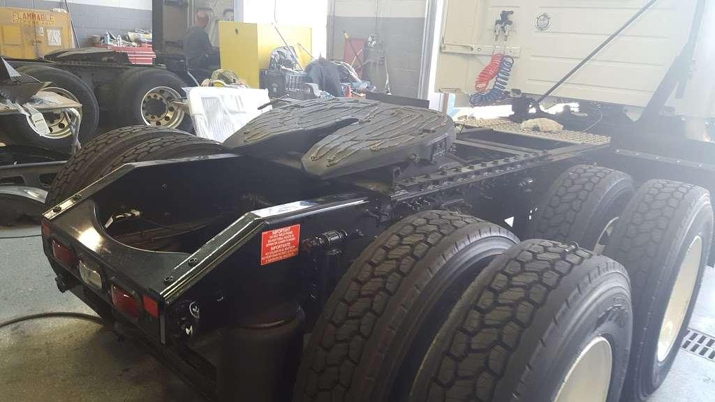 Advantage Truck Center - car repair  | Photo 6 of 10 | Address: 3880 Jeff Adams Dr, Charlotte, NC 28206, USA | Phone: (704) 597-0551