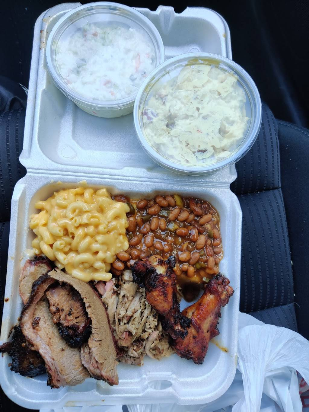 Red Door BBQ - restaurant  | Photo 5 of 9 | Address: 177 S Cypress Ave, Columbus, OH 43223, USA | Phone: (614) 557-7469