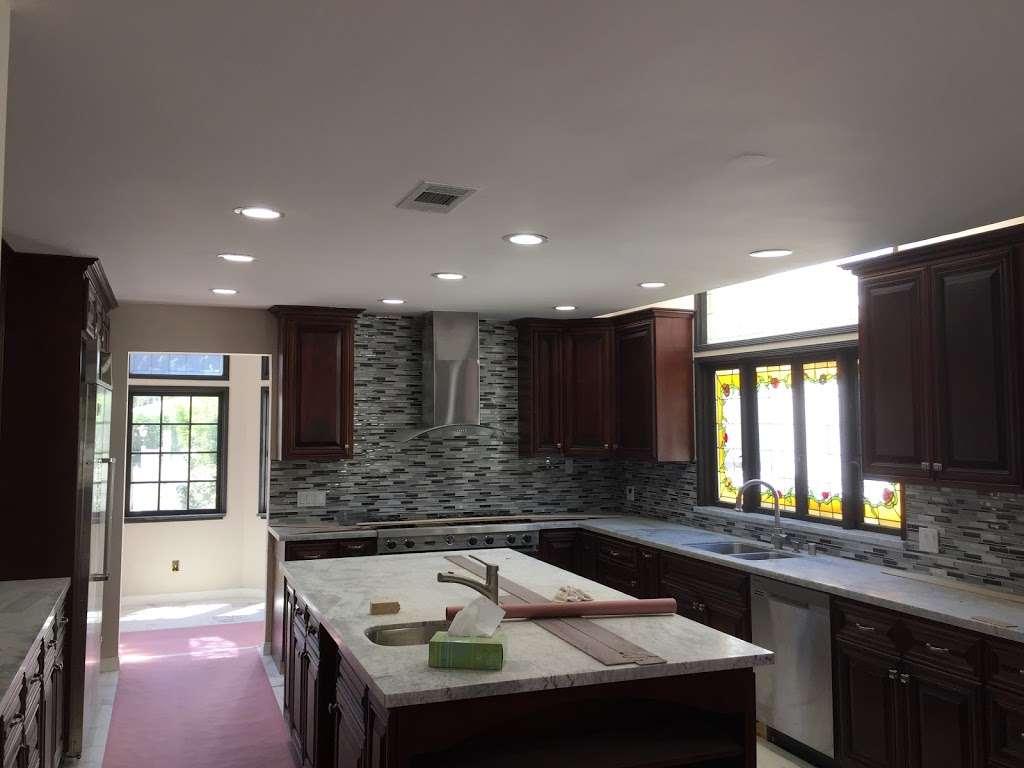 Michael Reyes Electrical - electrician  | Photo 2 of 10 | Address: 6939 Rhea Ave, Reseda, CA 91335, USA | Phone: (661) 236-9897