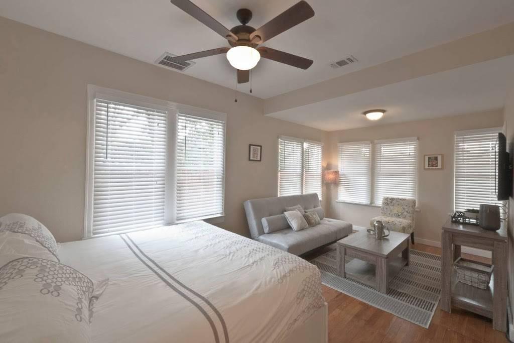 Stay SA Historic Vacation Rentals - real estate agency  | Photo 3 of 8 | Address: 233 Leigh St, San Antonio, TX 78210, USA | Phone: (210) 317-4076