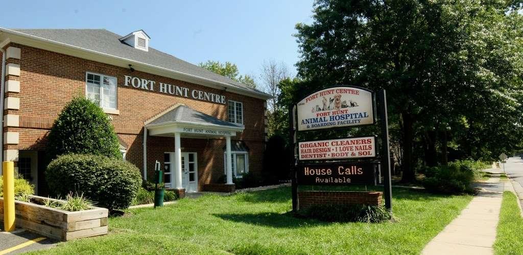 Fort Hunt Hair Design - hair care    Photo 3 of 8   Address: 2406, 1900 Elkin St # 1, Alexandria, VA 22308, USA   Phone: (703) 780-1671