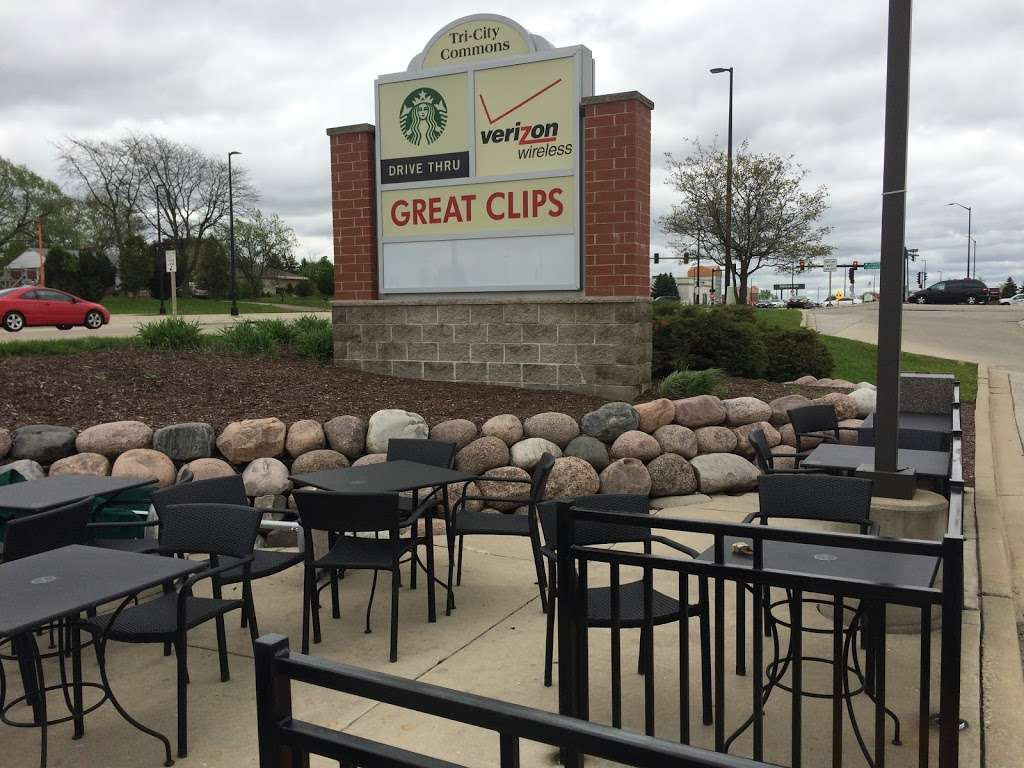 Starbucks - cafe  | Photo 10 of 10 | Address: 6537 S 27th St A, Franklin, WI 53132, USA | Phone: (414) 304-7208