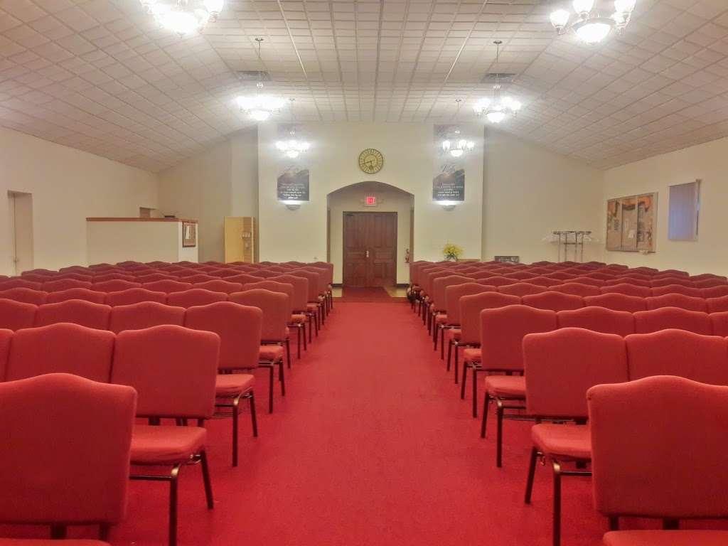 Apostolic Missionary Church - church  | Photo 2 of 10 | Address: 2686 S 12th St, Milwaukee, WI 53215, USA | Phone: (414) 645-7383