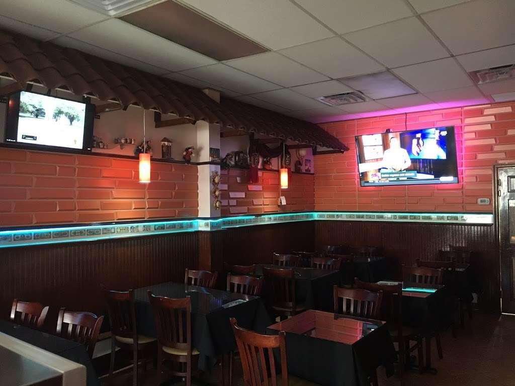 Vickis Restaurant & Bakery - bakery  | Photo 9 of 10 | Address: 10216 43rd Avenue, Flushing, NY 11368, USA | Phone: (718) 205-0205
