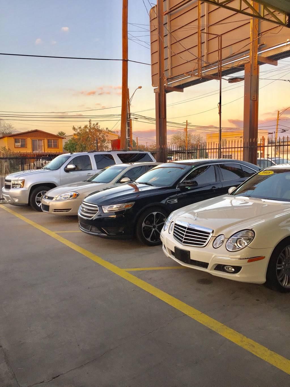 Bandera Motors - car dealer  | Photo 5 of 7 | Address: 415 W Saunders St, Laredo, TX 78041, USA | Phone: (956) 725-4847