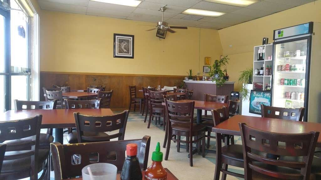 Pho 18 - restaurant    Photo 6 of 10   Address: 704 Holiday Dr, Galveston, TX 77550, USA   Phone: (409) 762-8849