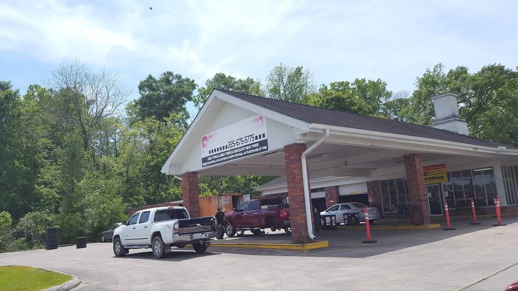 Southeast Tire Company - car repair  | Photo 5 of 6 | Address: 10005 Airline Hwy, Gonzales, LA 70737, USA | Phone: (225) 675-5775