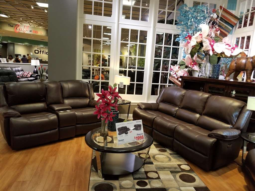 Bobs Discount Furniture - furniture store  | Photo 4 of 10 | Address: 3 Mill Creek Dr, Secaucus, NJ 07094, USA | Phone: (201) 643-1370