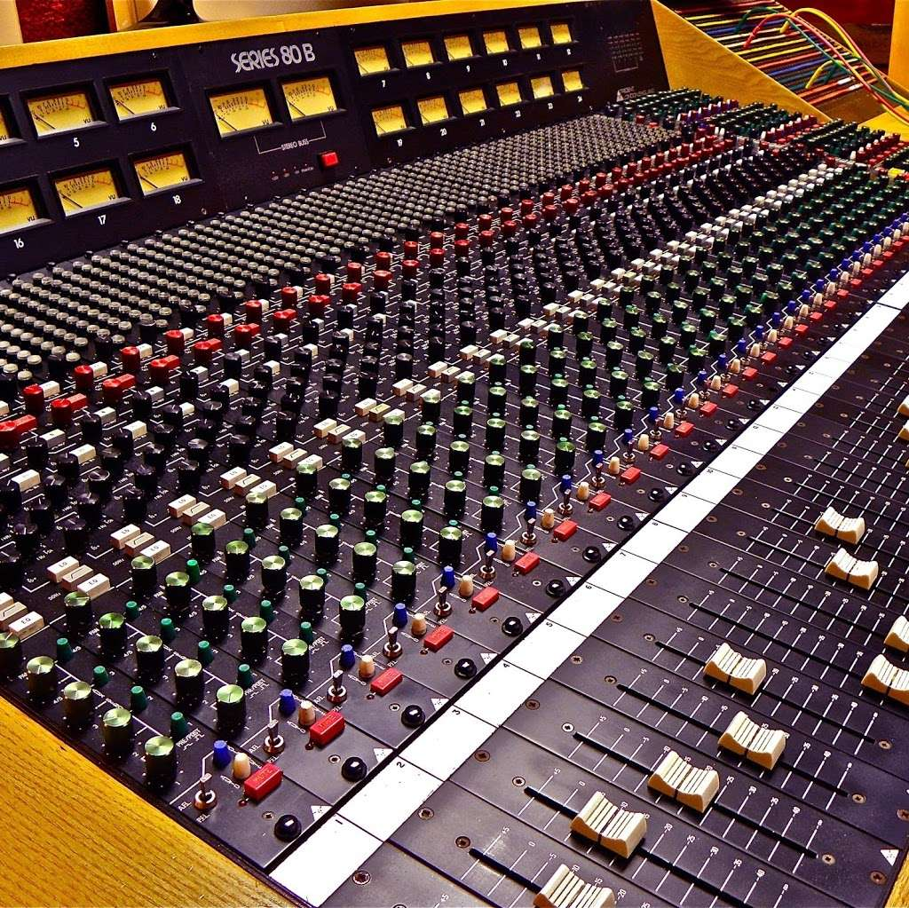 Silver Star Recording Studio - electronics store  | Photo 5 of 9 | Address: 3402 S Main St, Salisbury, NC 28147, USA | Phone: (704) 565-9155