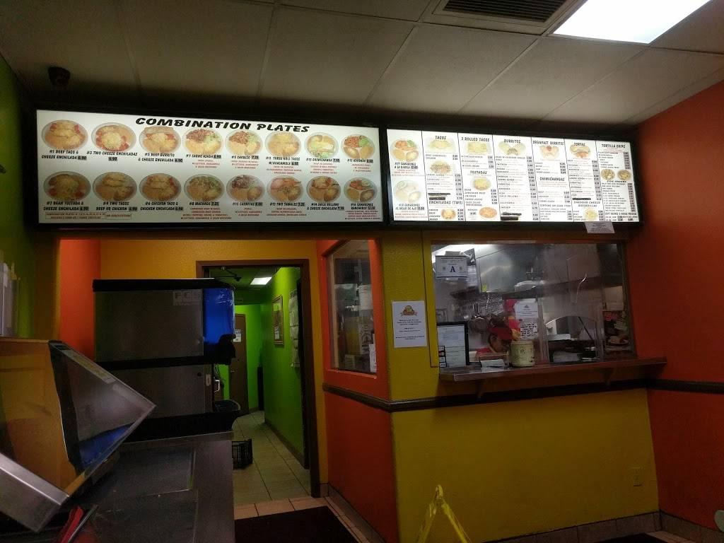 Robertos Taco Shop - restaurant  | Photo 3 of 10 | Address: 4955 E Craig Rd, Las Vegas, NV 89115, USA | Phone: (800) 970-5111