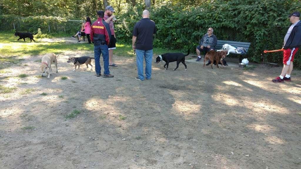 Wood Lake Park - park  | Photo 9 of 10 | Address: 103 Reservoir Ave, Johnston, RI 02919, USA
