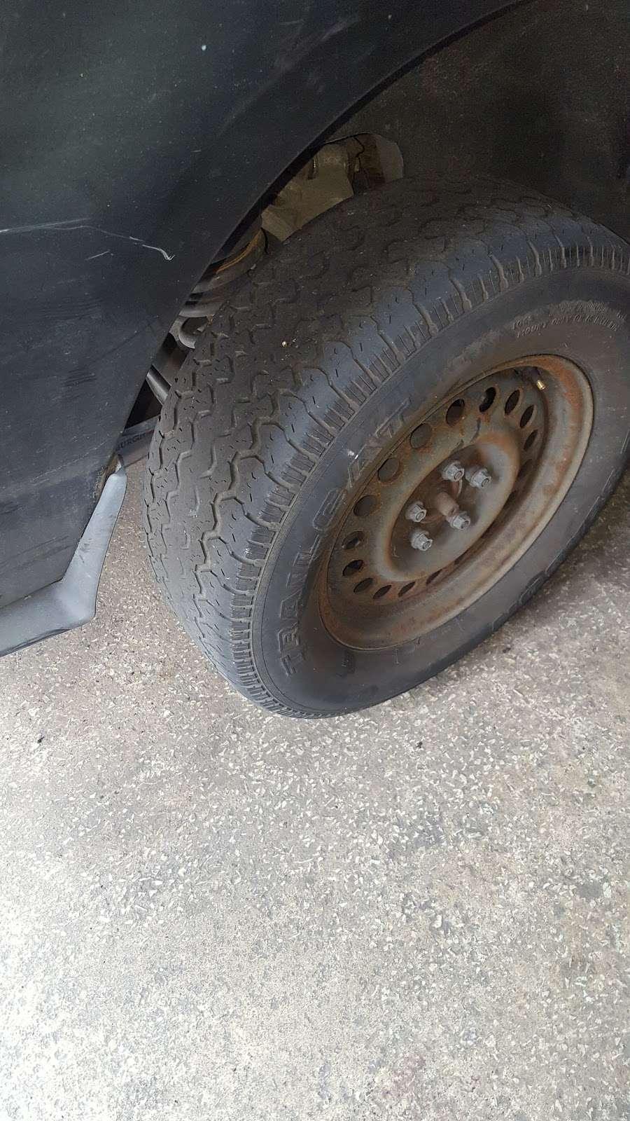 24 Hr Tire Shop - car repair  | Photo 5 of 7 | Address: 4673 N 6th St, Philadelphia, PA 19140, USA | Phone: (215) 455-9559