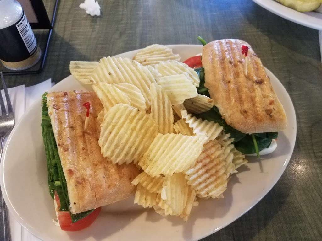 Jasons Deli - restaurant  | Photo 7 of 10 | Address: 10220 Technology Blvd E, Dallas, TX 75220, USA | Phone: (214) 904-8200