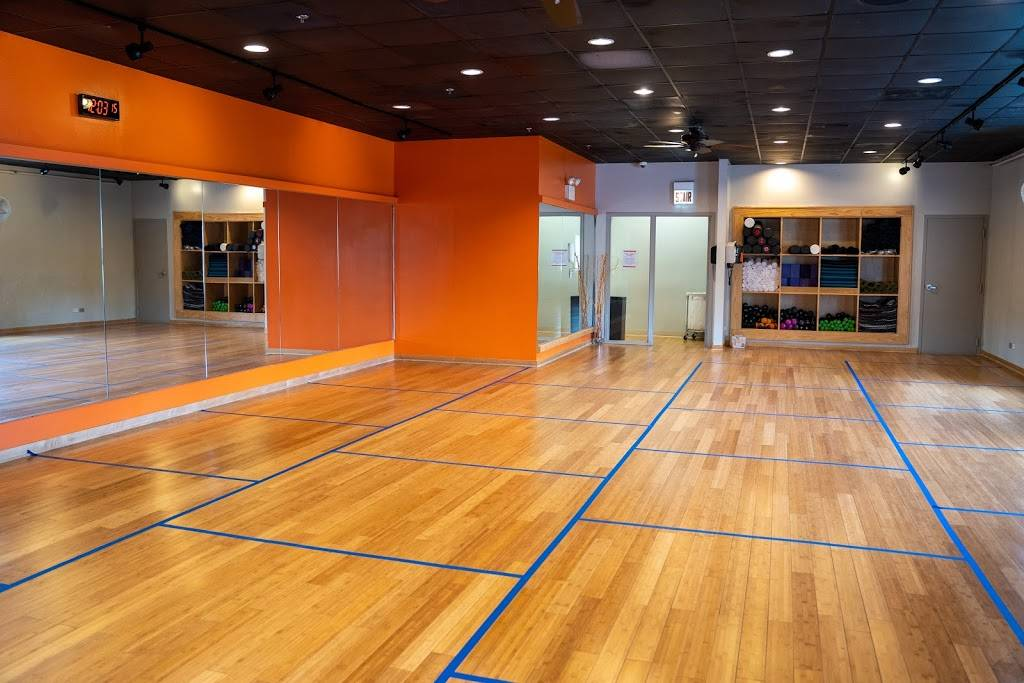 Lakeshore Sport & Fitness - gym    Photo 3 of 10   Address: 1320 W Fullerton Ave, Chicago, IL 60614, USA   Phone: (773) 348-6377