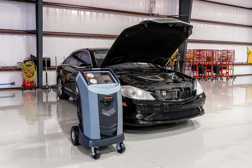 Windermere Collision Center - car repair  | Photo 3 of 10 | Address: 933 Carter Rd, Winter Garden, FL 34787, USA | Phone: (407) 554-2228