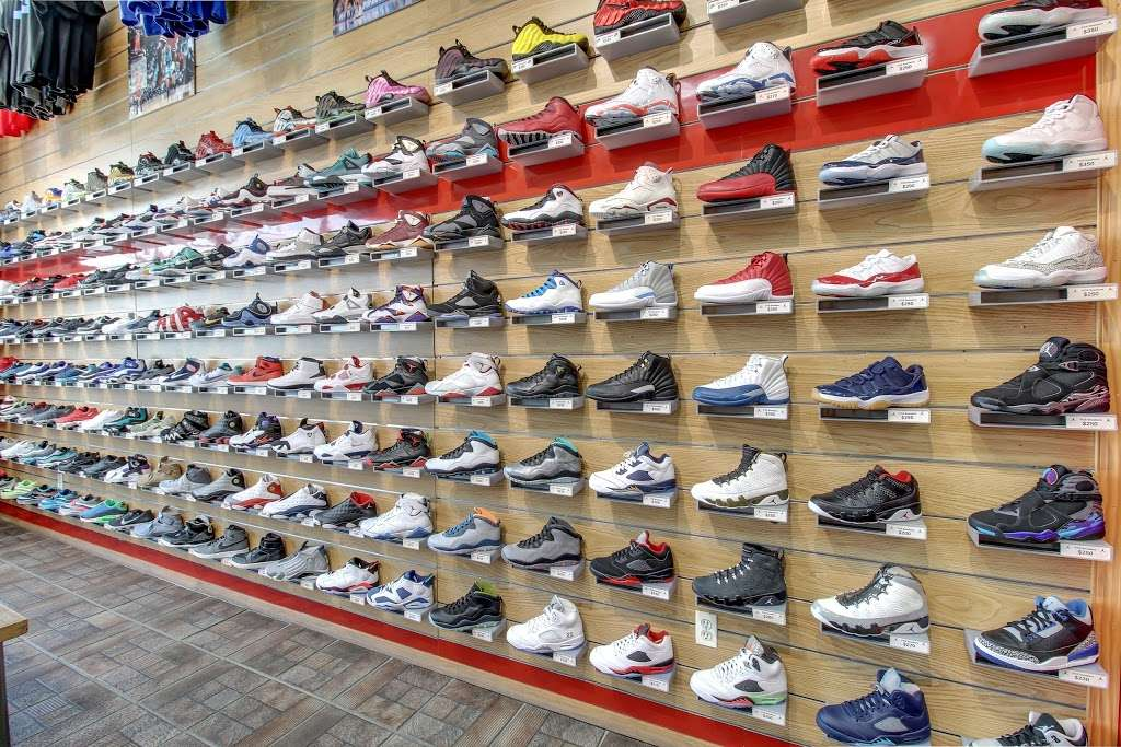 FCS SNEAKERS - clothing store  | Photo 3 of 10 | Address: 252-18 Rockaway Blvd, Rosedale, NY 11422, USA | Phone: (718) 470-2055