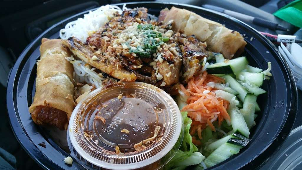 New Pho 999 - restaurant  | Photo 8 of 10 | Address: 12905 Sherman Way, North Hollywood, CA 91605, USA | Phone: (818) 982-9370