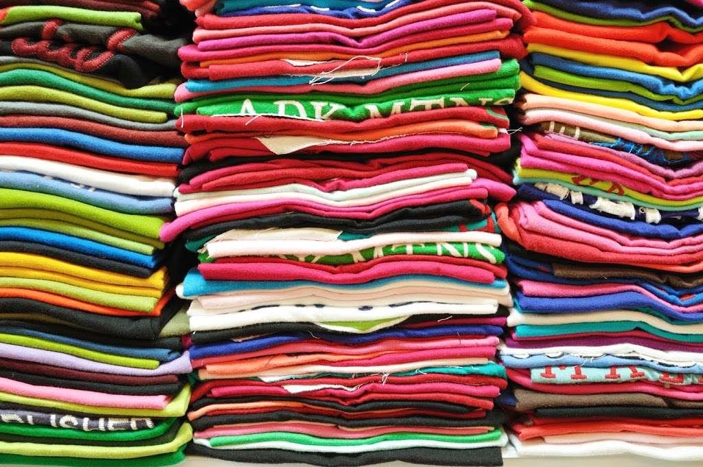 Visage Screen-Print - clothing store  | Photo 1 of 10 | Address: 119 Rawls Rd, Des Plaines, IL 60018, USA | Phone: (847) 813-5552