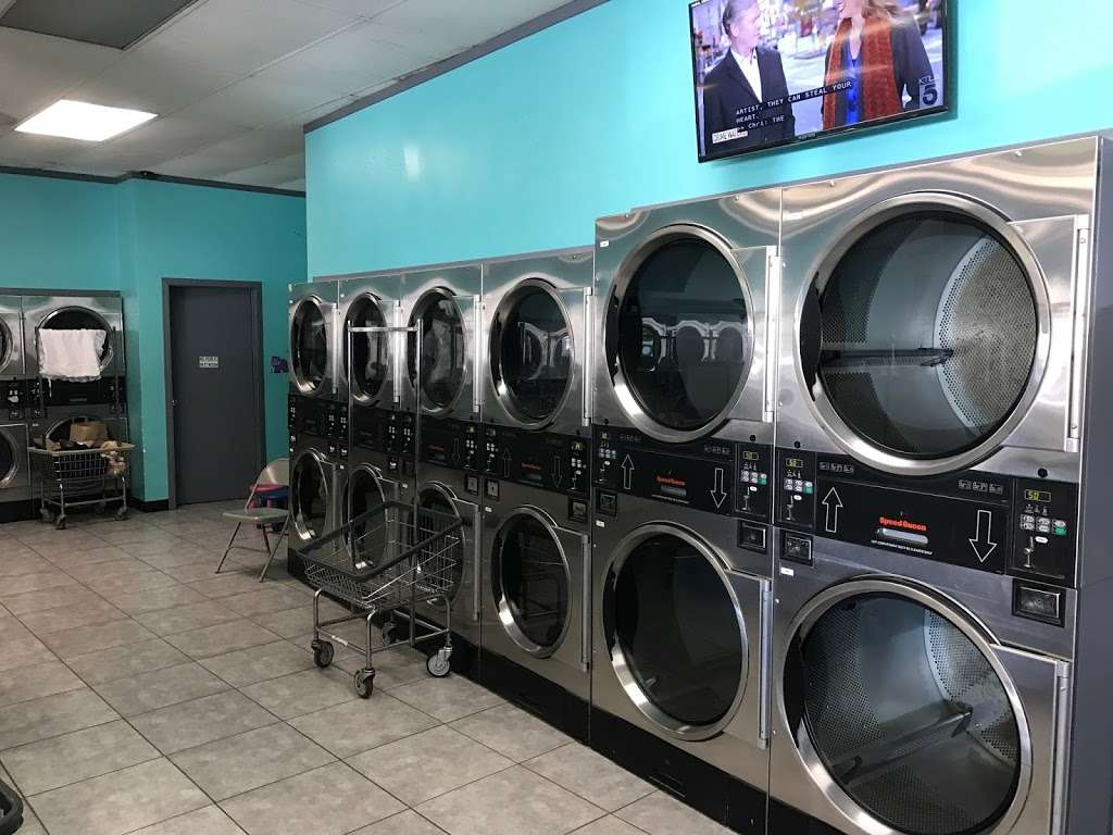 Sunshine Launderland $1/# Fluff N Fold - laundry  | Photo 1 of 1 | Address: 4770 Peck Rd, El Monte, CA 91732, USA | Phone: (424) 265-2646