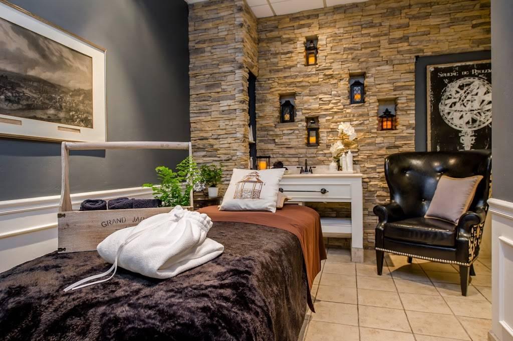 Eurotan Spa - dentist  | Photo 5 of 10 | Address: 8200 Stockdale Hwy, Bakersfield, CA 93311, USA | Phone: (661) 836-9951