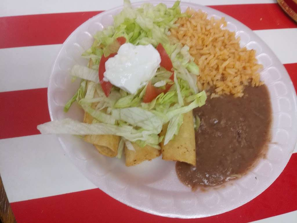 Latino Market - convenience store  | Photo 8 of 10 | Address: 7806 N 27th Ave, Phoenix, AZ 85051, USA | Phone: (602) 973-5326