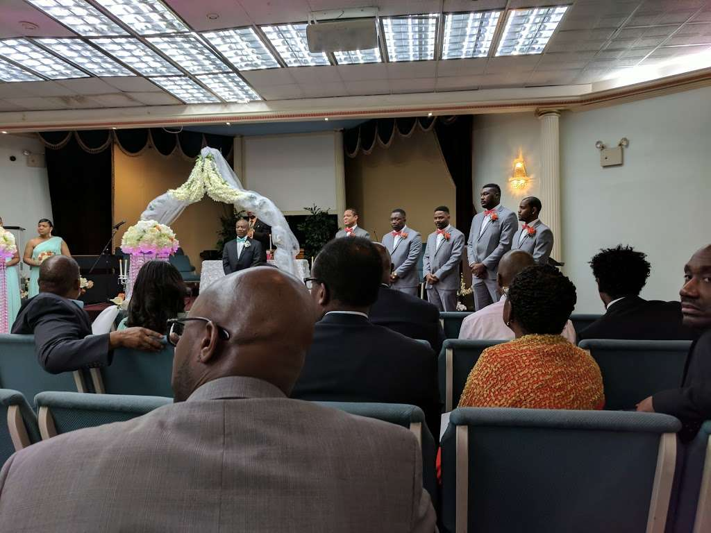 Grace Christian Church - church  | Photo 8 of 9 | Address: 434 Dewitt Ave, Brooklyn, NY 11207, USA | Phone: (718) 257-3655
