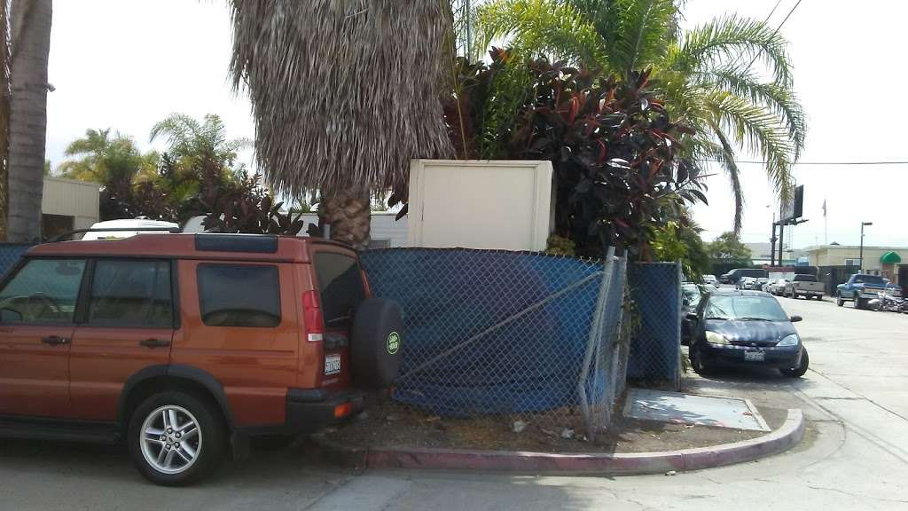 Tommys Custom Coach Works - car repair    Photo 8 of 10   Address: 3048 Moore St, San Diego, CA 92110, USA   Phone: (619) 497-1007