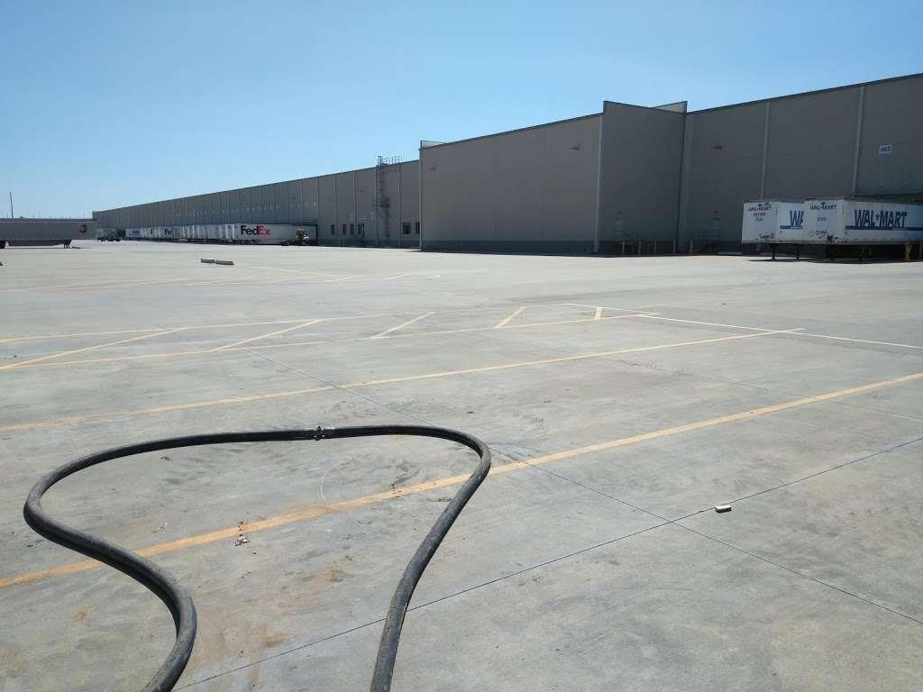 Walmart Distribution Center - storage  | Photo 7 of 10 | Address: 5100 North Ridge Trail, Davenport, FL 33897, USA | Phone: (863) 256-1842