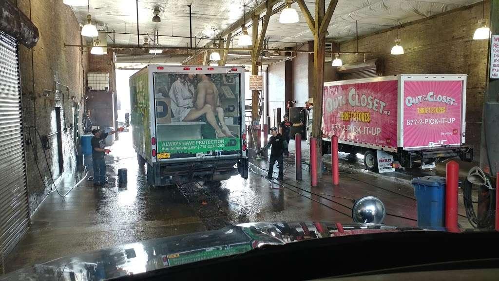Brooklyn Truck Wash - car wash  | Photo 4 of 10 | Address: 184 Maspeth Ave, Brooklyn, NY 11211, USA | Phone: (718) 218-8150