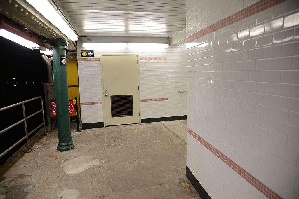 South Ferry Station - transit station  | Photo 5 of 10 | Address: New York, NY 10004, USA
