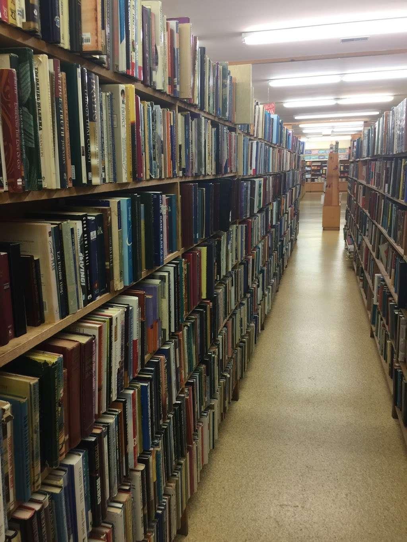 Clay Book Store - book store  | Photo 8 of 10 | Address: 2450 W Main St, Ephrata, PA 17522, USA | Phone: (717) 733-7253