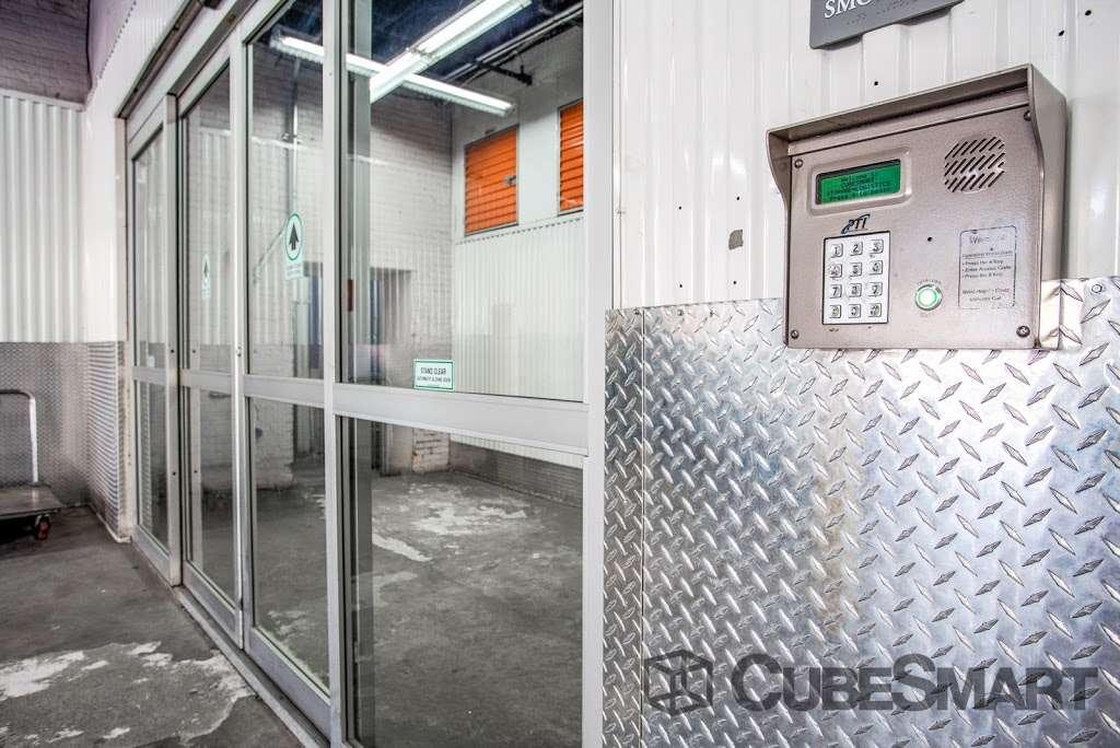 CubeSmart Self Storage - moving company    Photo 4 of 10   Address: 1220 Broadway, Brooklyn, NY 11221, USA   Phone: (718) 574-2194