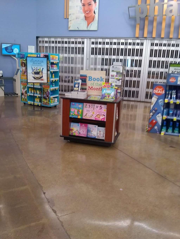 Glenlake Plaza - shopping mall  | Photo 8 of 10 | Address: 2599 E 65th St, Indianapolis, IN 46220, USA