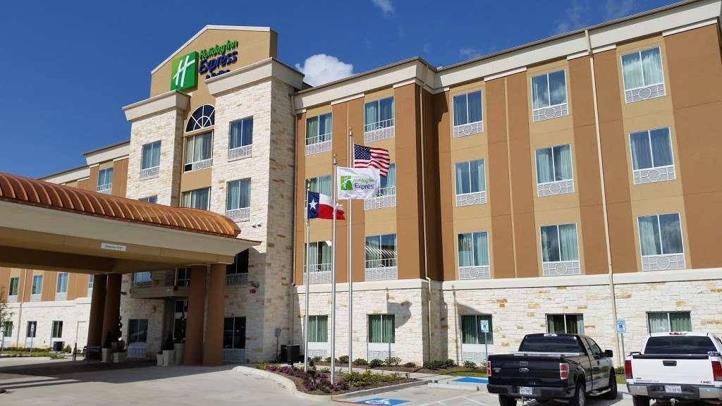 Holiday Inn Express & Suites Houston East - Baytown - lodging  | Photo 6 of 10 | Address: 7515 Garth Rd, Baytown, TX 77521, USA | Phone: (281) 421-9988