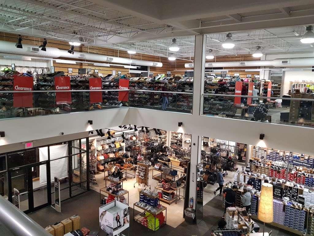 DSW Designer Shoe Warehouse - shoe store  | Photo 5 of 10 | Address: 60 State Route 17 North, Paramus, NJ 07652, USA | Phone: (201) 291-0505