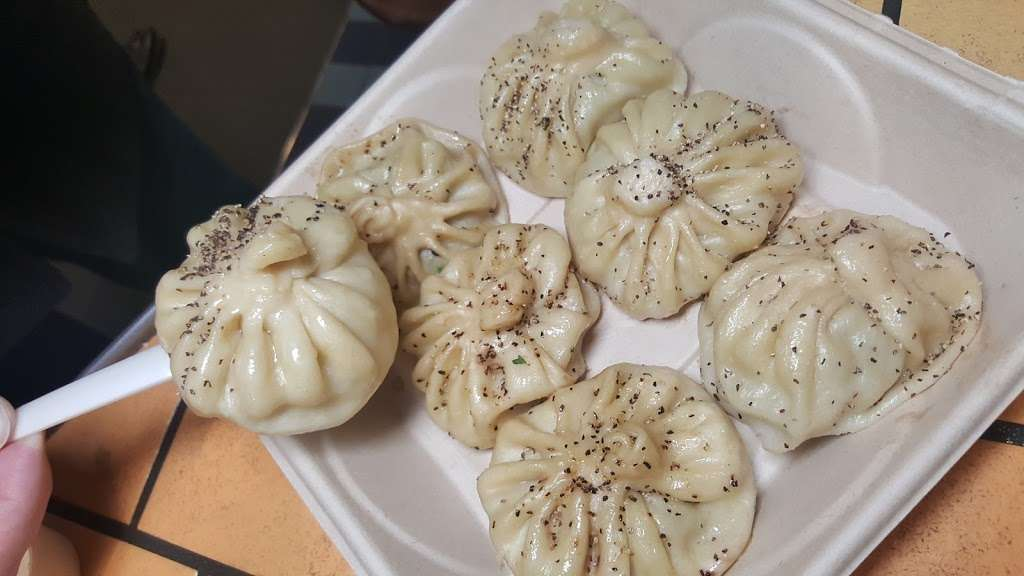 Daa! Dumplings - restaurant  | Photo 9 of 10 | Address: 1000 8th Ave, New York, NY 10019, USA | Phone: (212) 757-6207
