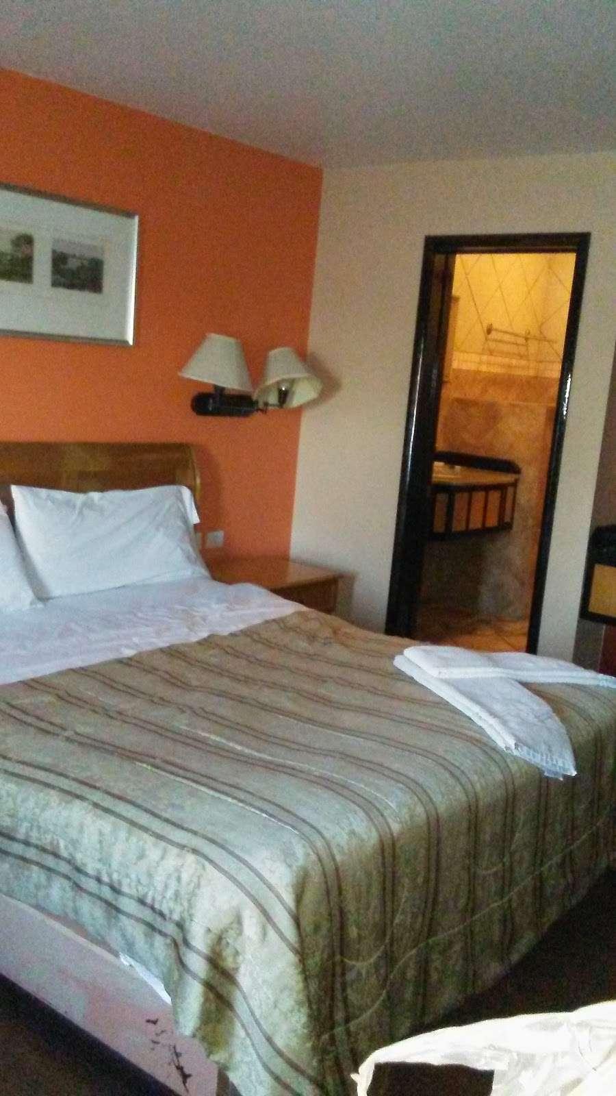 Motel El Mirador - lodging  | Photo 2 of 10 | Address: Gral. Ramón Arnaiz, Soler, 22530 Tijuana, B.C., Mexico | Phone: 664 166 2761