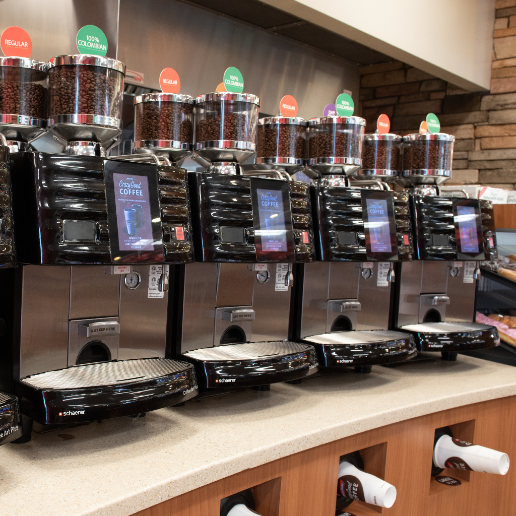 RaceTrac - gas station  | Photo 3 of 10 | Address: 12136 S John Young Pkwy, Orlando, FL 32837, USA | Phone: (407) 363-7788