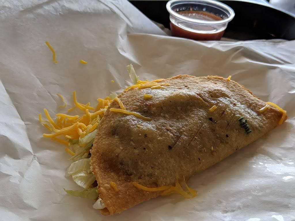 Carolinas Mexican Food - Mesa - restaurant  | Photo 8 of 10 | Address: 1450 S Country Club Dr, Mesa, AZ 85210, USA | Phone: (480) 912-3420