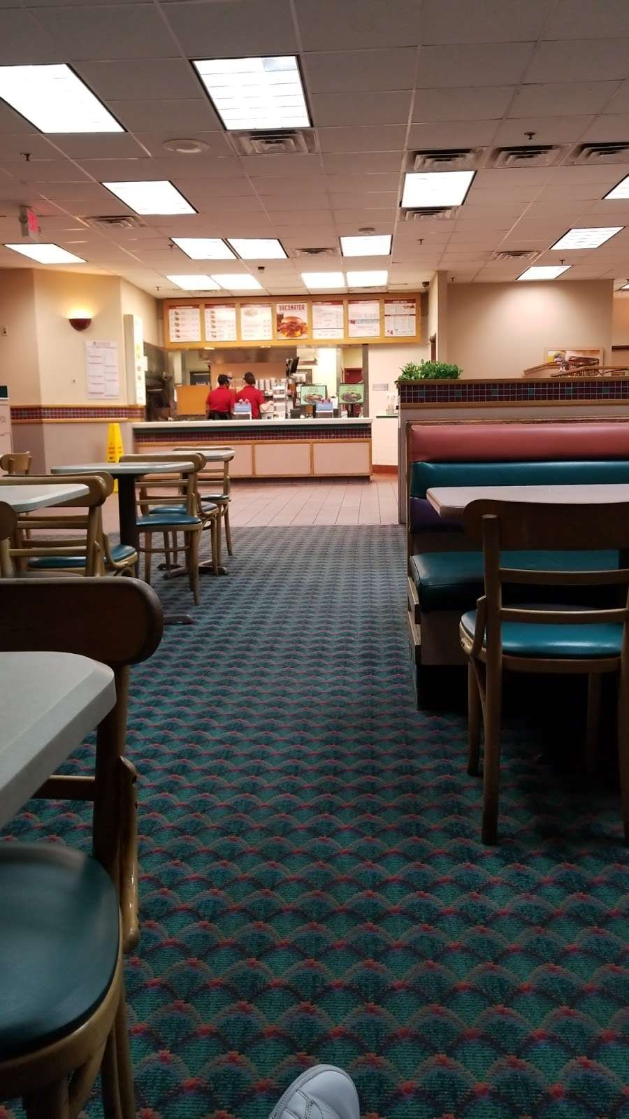 Wendys - restaurant  | Photo 8 of 10 | Address: 1109 League Line Rd, Conroe, TX 77303, USA | Phone: (936) 856-2827