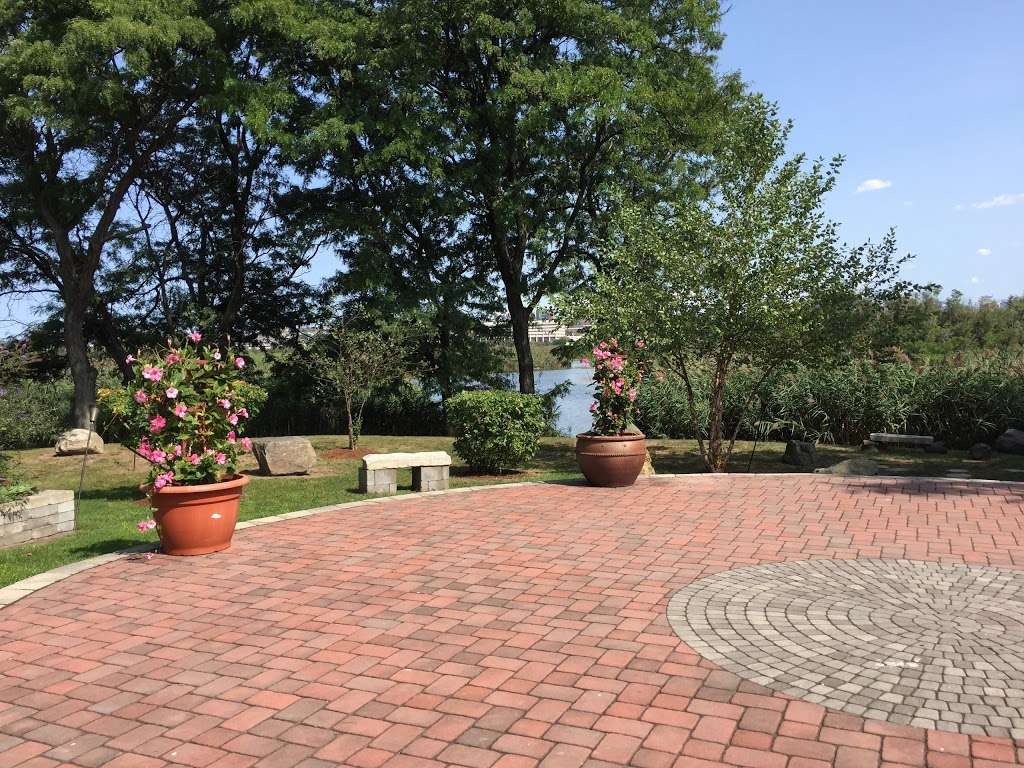 Sadhu Vaswani Meditation Garden - park  | Photo 3 of 10 | Address: 1200 Koelle Blvd, Secaucus, NJ 07094, USA