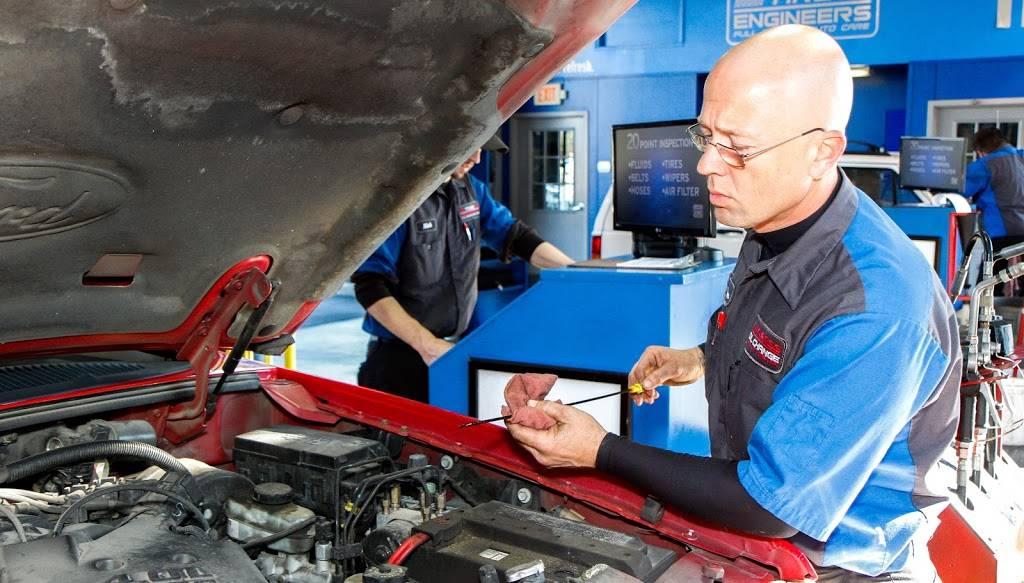 Express Oil Change & Tire Engineers - car repair  | Photo 8 of 10 | Address: 7157 Aaron Aronov Dr, Fairfield, AL 35064, USA | Phone: (205) 786-9119