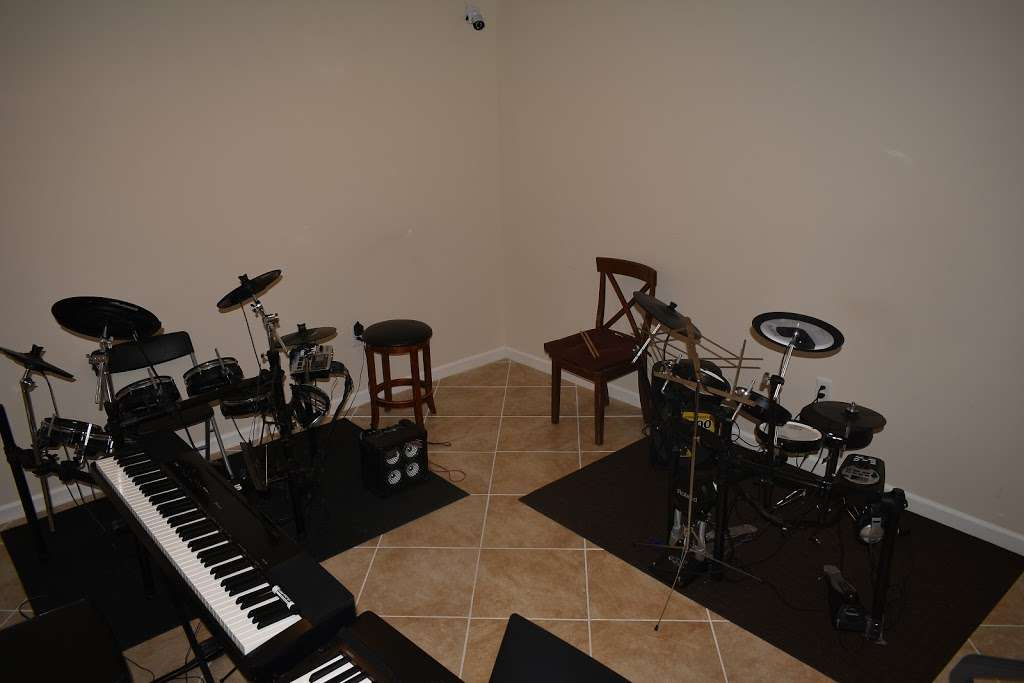 JCY Music School - school  | Photo 2 of 10 | Address: 13929 Chadsworth Terrace, Laurel, MD 20707, USA | Phone: (301) 357-3295