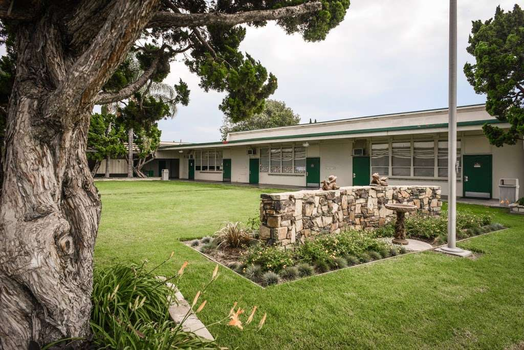 Orangewood Academy - school    Photo 2 of 10   Address: 13732 Clinton St, Garden Grove, CA 92843, USA   Phone: (714) 534-4694