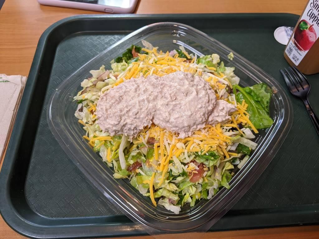 Subway - meal takeaway  | Photo 1 of 6 | Address: 2360 W 68th St #127, Hialeah, FL 33016, USA | Phone: (305) 362-9366