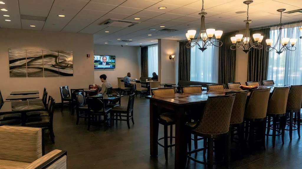 Hampton Inn Carlstadt-At The Meadowlands - lodging    Photo 6 of 10   Address: 304 Paterson Plank Rd, Carlstadt, NJ 07072, USA   Phone: (201) 935-9000