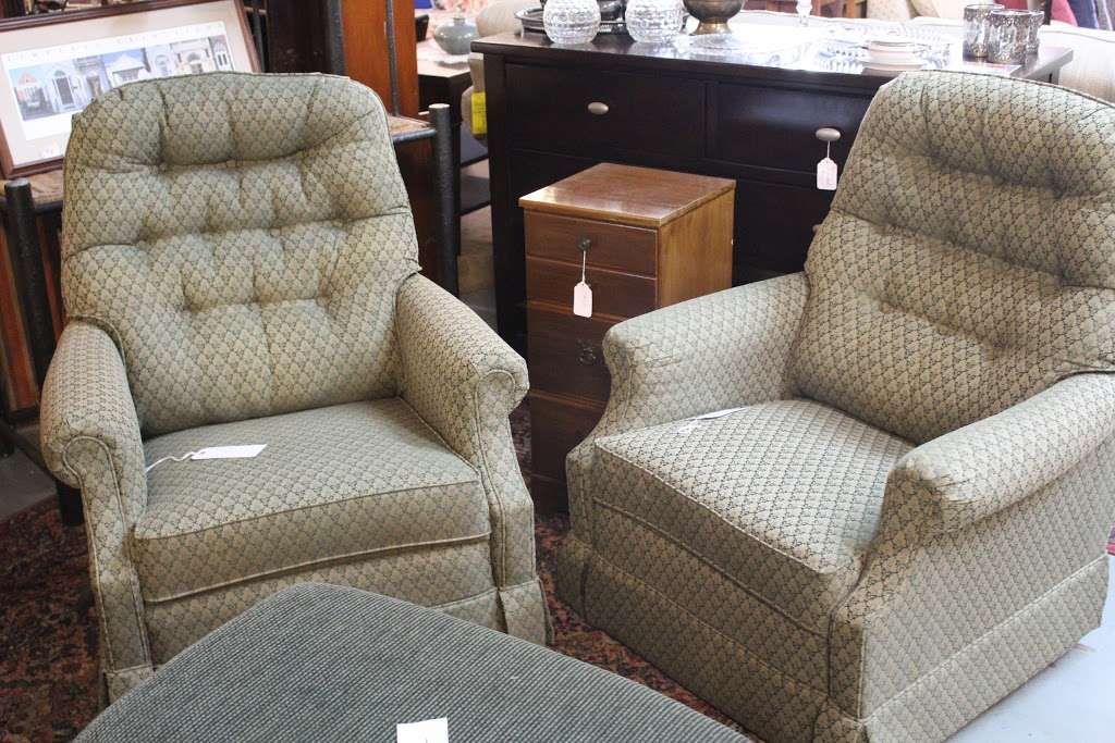 Harry's Fine Used Furniture & Accessories - furniture store  | Photo 8 of 10 | Address: 1910, 11 Graybill Rd, Leola, PA 17540, USA | Phone: (717) 656-2436