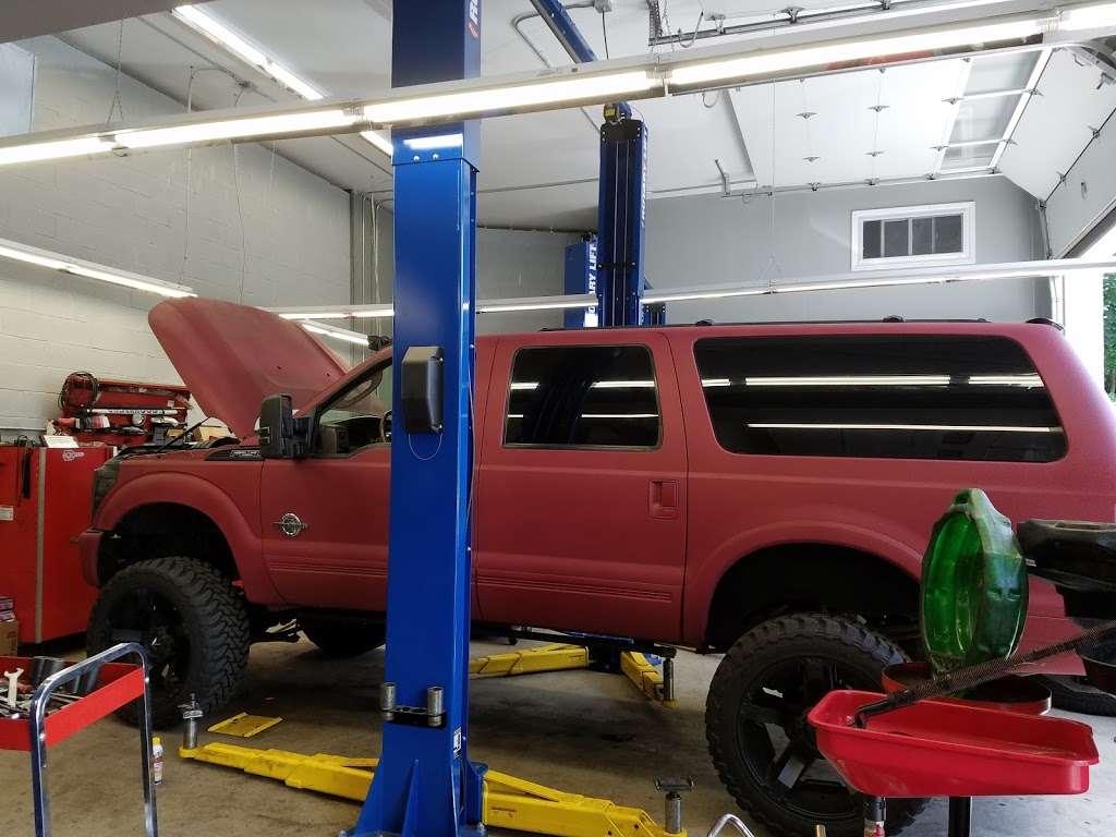 Dees JFK and Auto Service - car repair  | Photo 10 of 10 | Address: 3518, 19 Beach St, Bloomfield, NJ 07003, USA | Phone: (973) 748-8873
